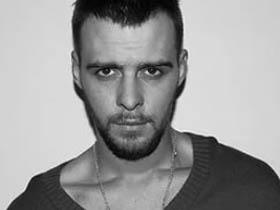 乌克兰歌手Макс的一新歌《Люблю и Ненавижу》